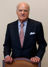 executive profile henry r kravis co ceo and co founder of kkr the ucw newswire. Black Bedroom Furniture Sets. Home Design Ideas